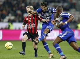 Vincent Koziello (g.) lors du match face à Bastia, le 26 février 2016 à Nice