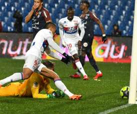 Mariano anotó el tanto del empate para el Lyon ante el Montpellier. AFP