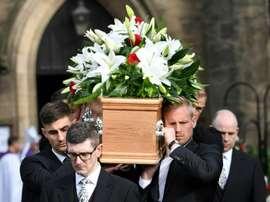 Des centaines de personnes ont rendu hommage. AFP