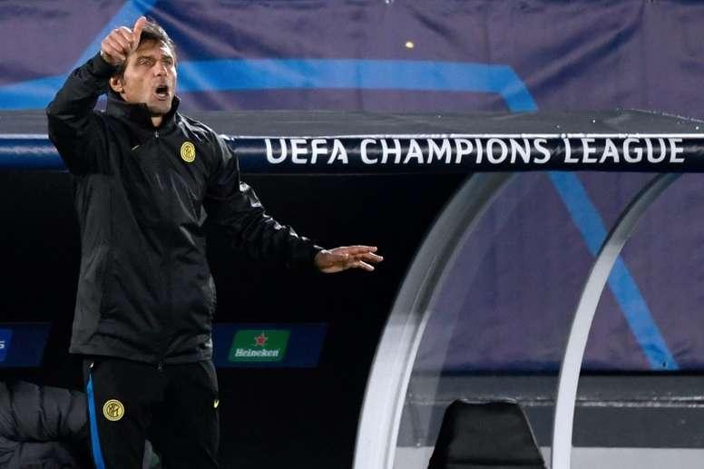 Conte lamentó la derrota y lloró la muerte de Maradona. AFP