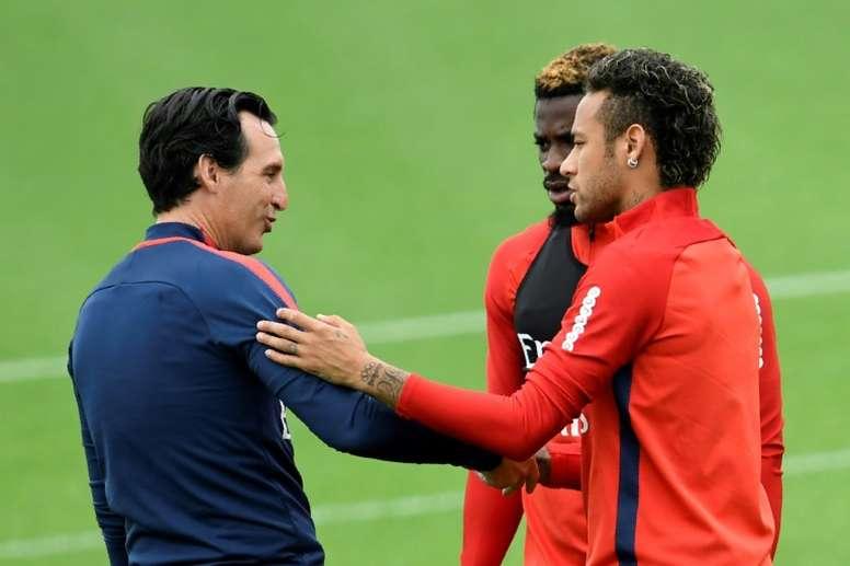 Unai Emery sabe que de aquí a la eliminatoria de Champions se hablará mucho del Real Madrid. AFP