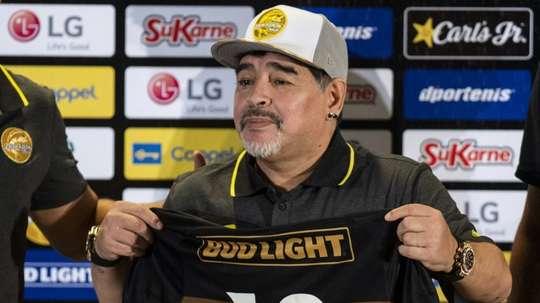 Diego Maradona lors de sa présentation comme entraîneur de Dorados. AFP