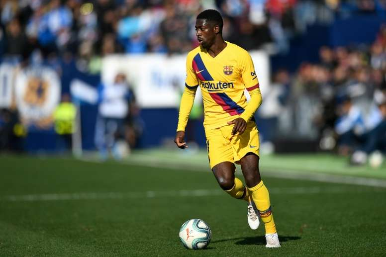 Dembélé se negó a abandonar el Camp Nou y trastocó los planes al Barça con Depay. AFP