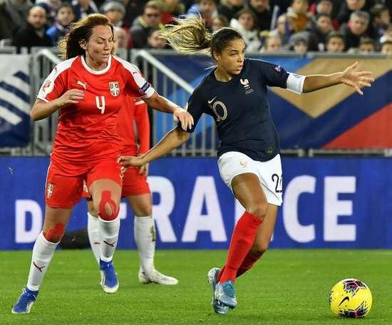 Qualifs Euro-2021 dames: la vague bleue emporte la Serbie, avec Majri en folie. AFP