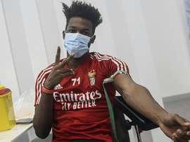 Nuno Tavares é um dos casos positivos confirmados pelo Benfica. AFP