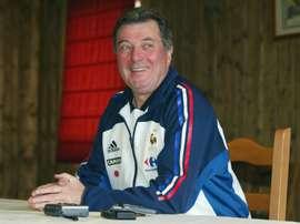 Roger Lemerre, alors sélectionneur des Bleus, désormais entraîneur de Sedan (National), le 7 mai 2002 à Tignes