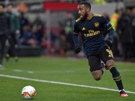 Arsenal e Atlético estudam uma troca entre Lacazette e Lemar. AFP