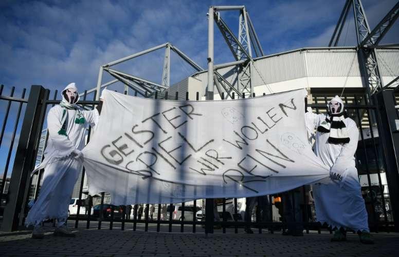 Près de 13.000 supporters fantômes samedi à Mönchengladbach. AFP