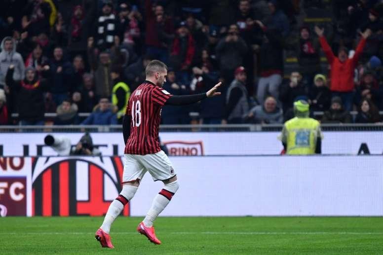 Rebic dio los tres puntos al Milan. AFP