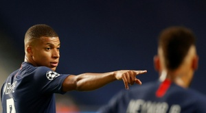 Le PSG toujours sur un fil, Mbappé de retour à Nice. AFP
