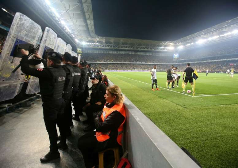 El Besiktas cumplió su amenaza, como el Barça. EFE