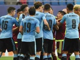 Tension entre les joueurs uruguayens et vénézuéliens en demi-finale du Mondial U20. AFP