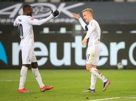 Thuram marque encore avec M'Gladbach, Schalke en enfer. afp