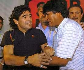 Maradona soutient Evo Morales. AFP