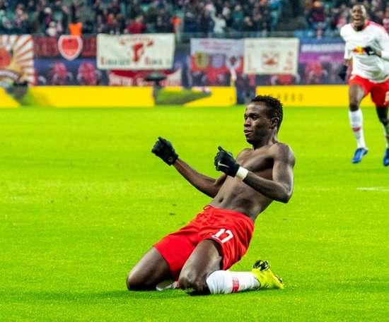 L'agent de Bruma confirme son transfert au PSV Eindhoven. AFP