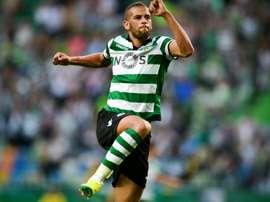 Sporting CP quer voltar a ver Slimani de verde e branco. AFP