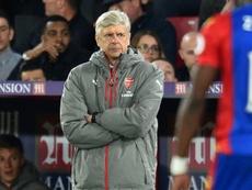 L'entraîneur dArsenal Arsène Wenger observe le match face à Crsytal Palace. AFP