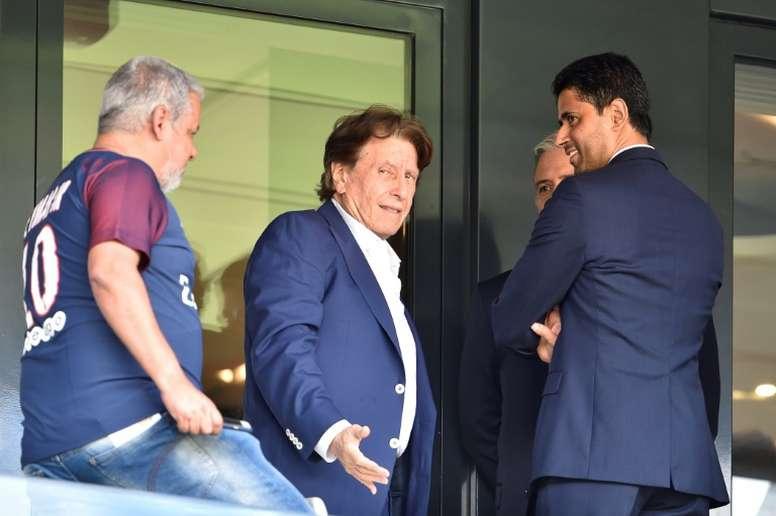 Pini Zahavi, convaincu du départ de Neymar. AFP