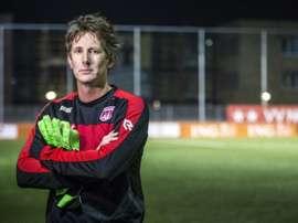 Van der Sar no ha podido tener mejor debut con el club en el que se formó, el Noordwijk. AFP
