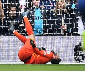 Tottenham confirma deslocamento no cotovelo de Lloris. AFP