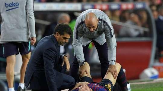 La lesión de Messi marcó el choque. AFP