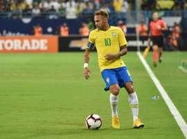 Neymar no quería llevar el '10'. AFP
