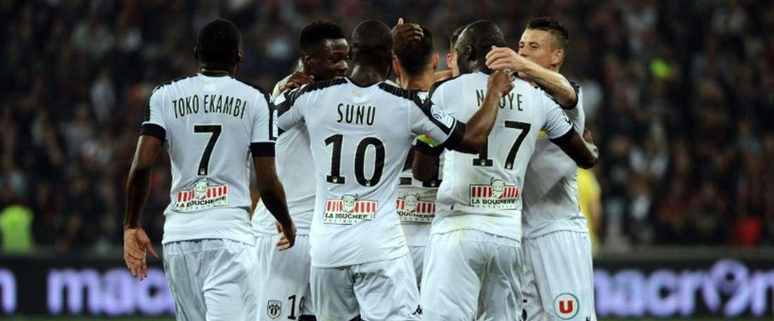 El Niza empató a dos ante el Ajax. AFP