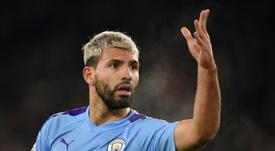 Agüero llegaría a coste cero tras terminar contrato con el City. AFP