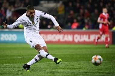 Madrid deny any offer for Mbappe. AFP