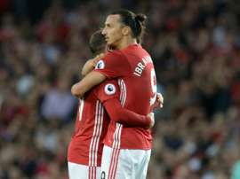 Wayne Rooney et  Zlatan Ibrahimovic le 19/08/16. AFP