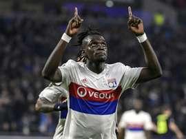 O Lyon recebeu e venceu o Everton por 3-0. AFP