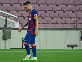 Dugarry pediu desculpas por chamar Messi de autista. AFP