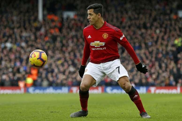 Rafael da Silva critica Alexis Sanchez. AFP