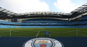Manchester City proíbe consumo de álcool para ver o jogo. AFP
