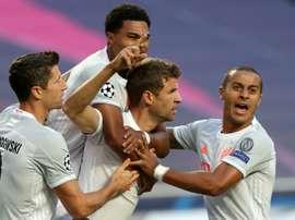 Bayern de Munique avançou às semifinais com goleada histórica por 8 a 2. AFP