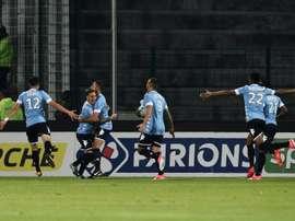 Les Tourangeaux se congratulent après un but de Florian Miguel en Coupe de la Ligue. AFP