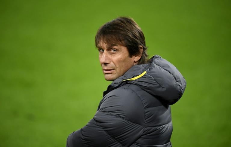 L'entraîneur de l'Inter Milan Antonio Conte sous protection policière