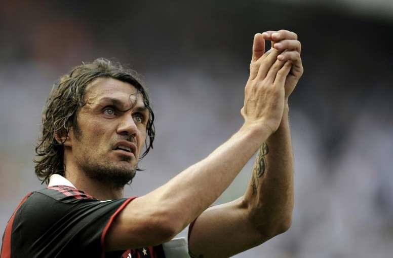 El Milan le ofrece la dirección deportiva a Maldini. AFP