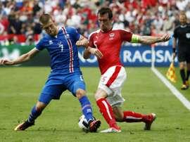El capitán Christian Fuchs anuncia que se retira de la selección austríaca. AFP