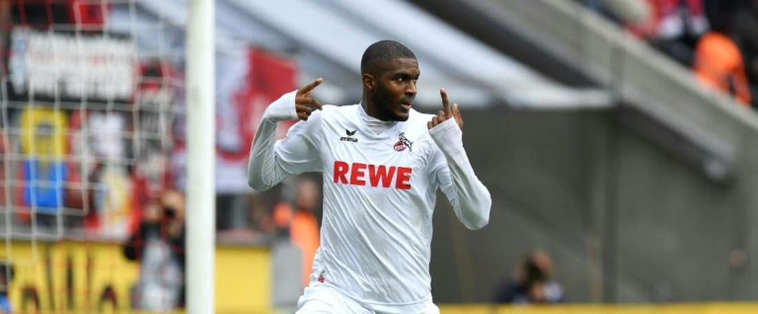 Lattaquant de Cologne Anthony Modeste après un but contre Ingolstadt, le 15 octobre 2016 à Cologne