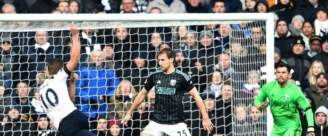 O atacante Harry Kane voltou a golear e o Tottenham agradeceu. Goal