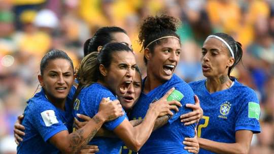 Italie et Brésil pour sortir de l'ombre. AFP