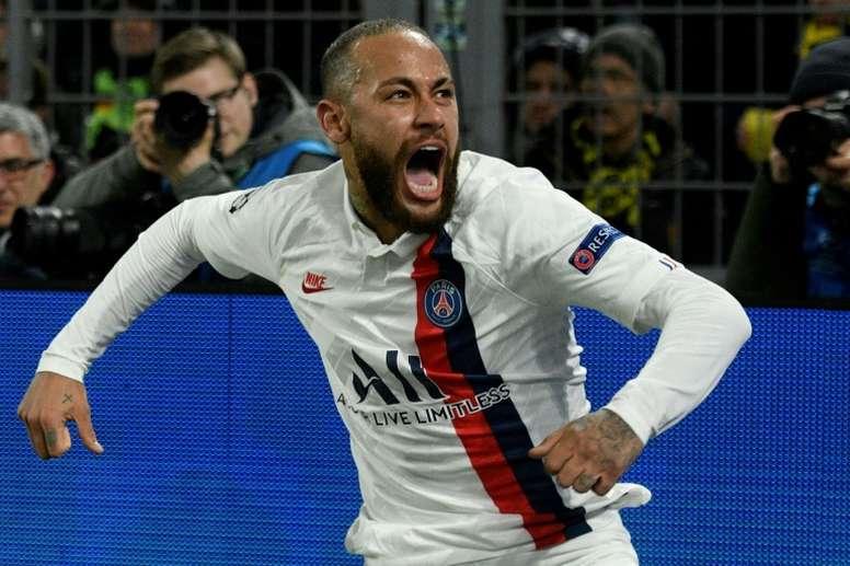 Neymar tiene una extraña relación de amor y odio con el Barça. AFP/Archivo