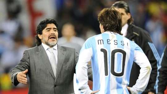 Maradona voltou a falar de Messi. AFP