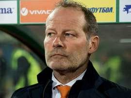 Selecionador holandês contestado depois da derrota de ontem (25) na Bulgária. AFP