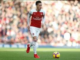 La apuesta que sentenció a Özil: el origen de su nuevo 'look'. AFP