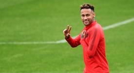 Neymar se llevó críticas tras el duelo con el Liverpool. AFP