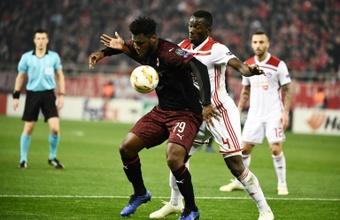 El favorito es Pogba, pero el Barça no descarta a Kessié. AFP