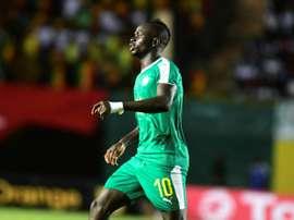 Mané se fracturó el pulgar con Senegal. AFP