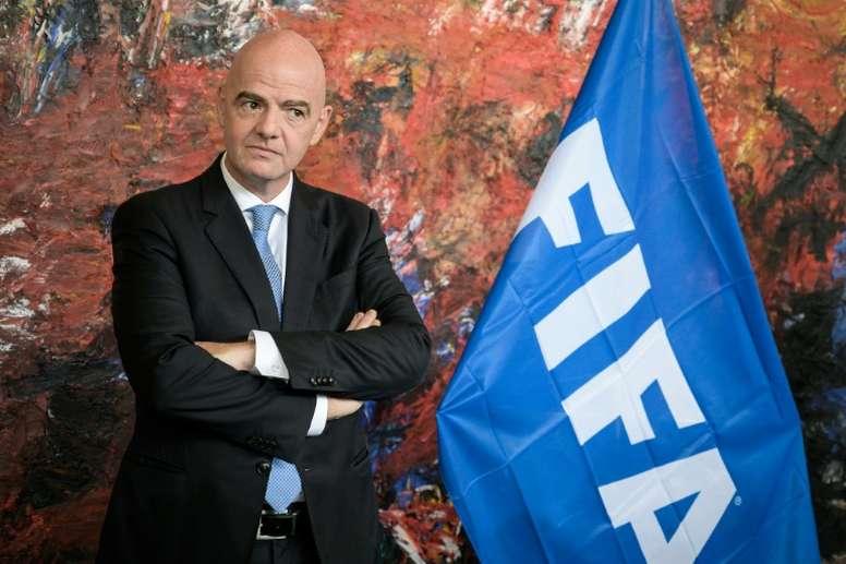 La FIFA veut réformer le marché des transfert, avec deux exceptions. AFP